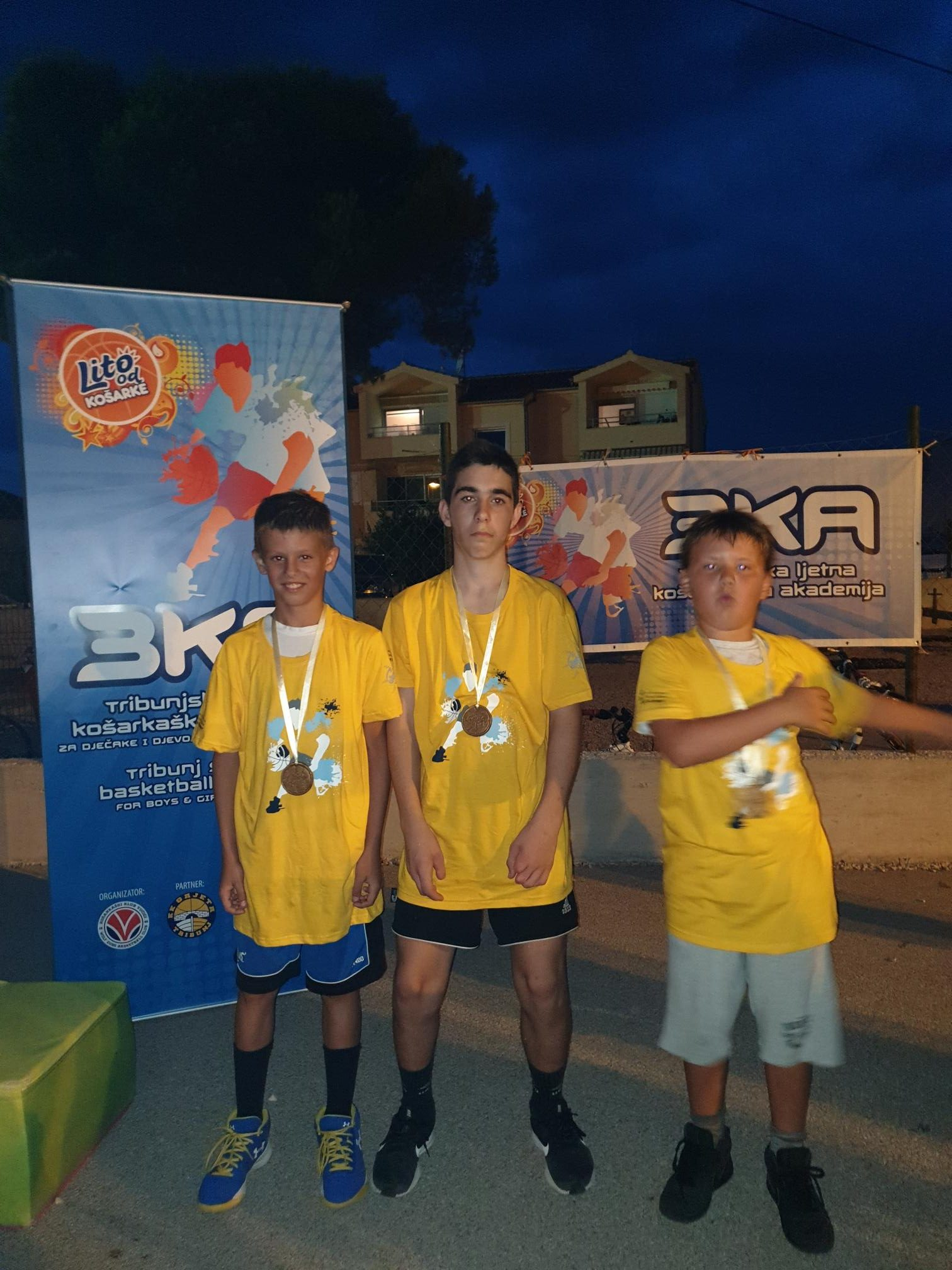 1 mjesto Tin, Karlo i Niko